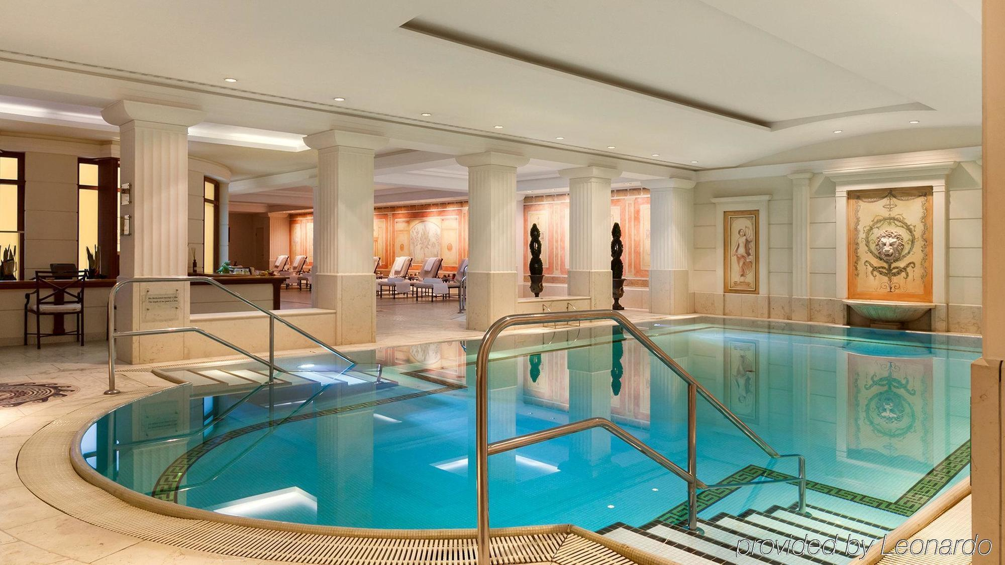 London  Star Hotels With Swimming Pools